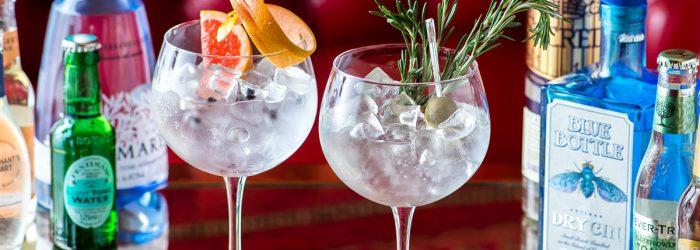 Barra libre para eventos con bartender incluido, puedes aumentar tu pedido con meseros o con servicio básico.
