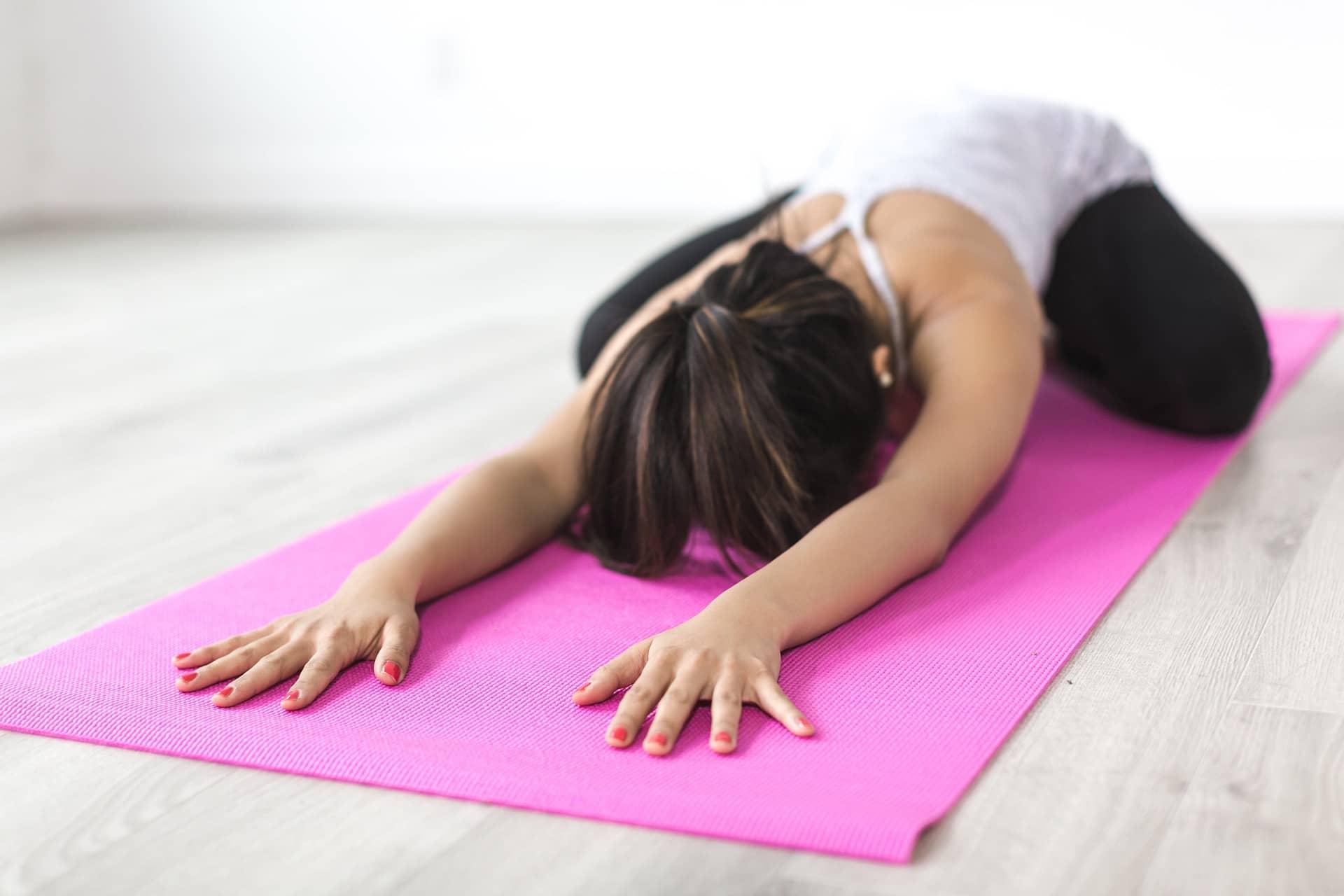 Yoga virtual para potenciar los beneficios del trabajo en equipo